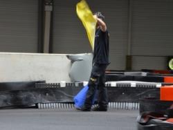 rennes-location-karting-a-la-serie-02-juge-piste-drapeau-jaune